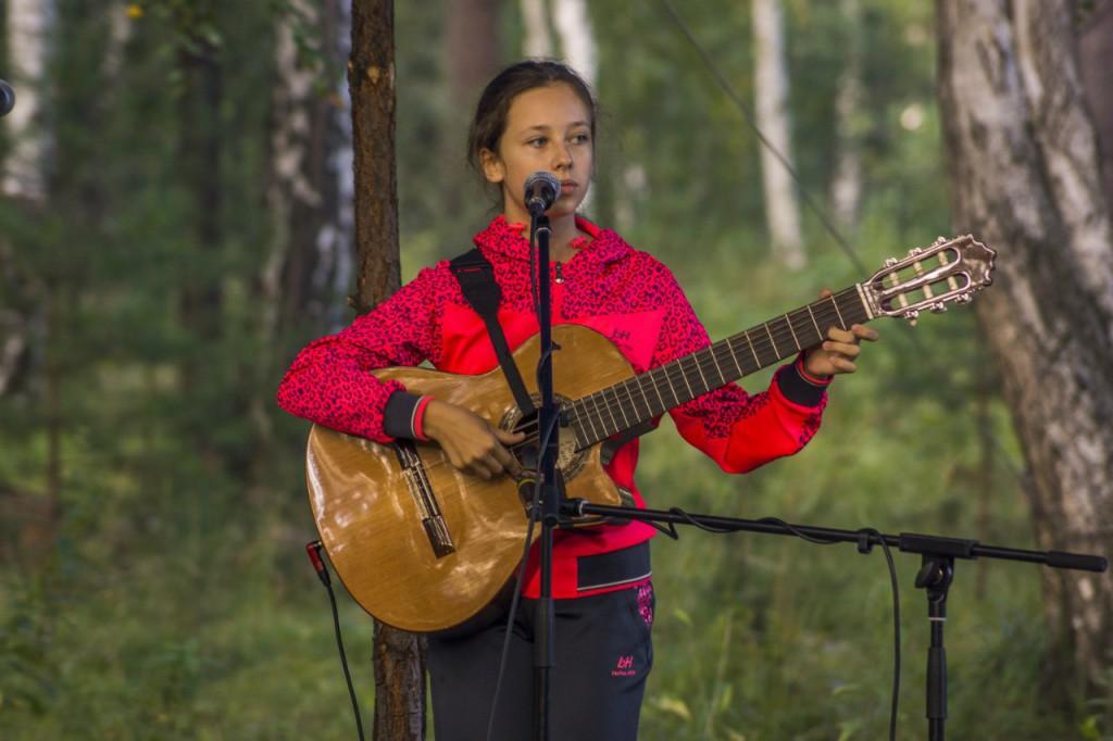 Екатерина денисова лауреат в двух номинациях - автор музыки и исполнитель. Озерск